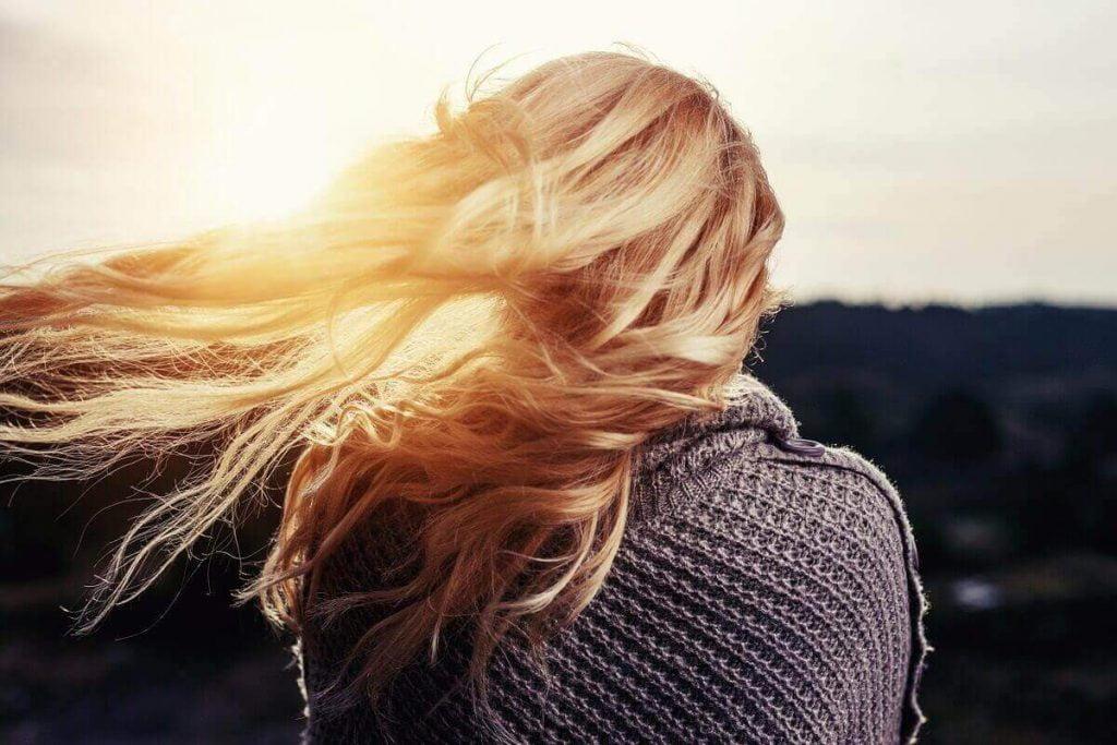 kwas foliowy na stan włosów